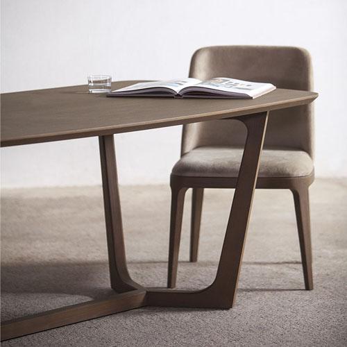 auriga-table_f1
