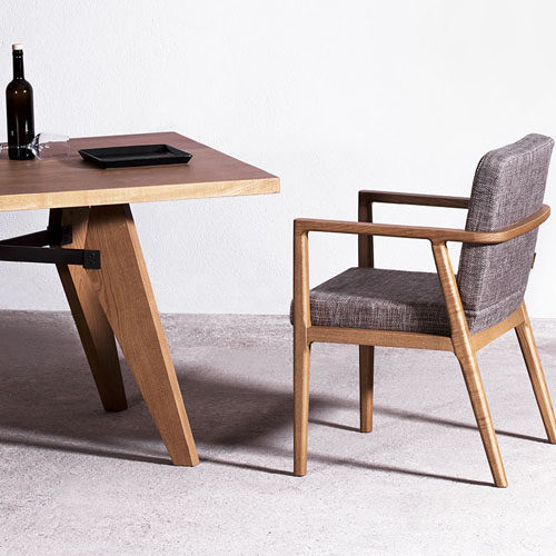 musca-table_f1